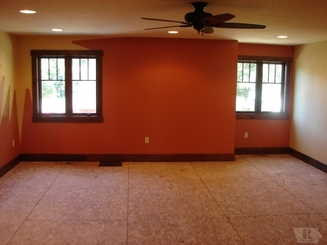 Bonus Room of 5616 Lakeview Drive