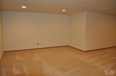 Family Room of 1004 S 10th Place