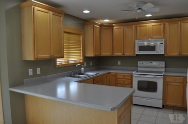 Kitchen of 1004 S 10th Place