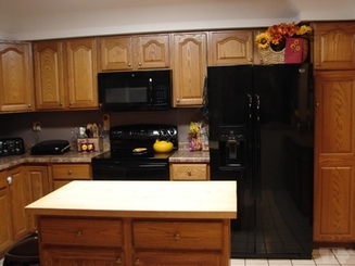 Kitchen of 1509 Main Avenue