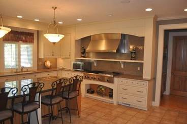 Kitchen B of 2260 Country Club Dr