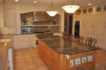 Kitchen A of 2260 Country Club Dr