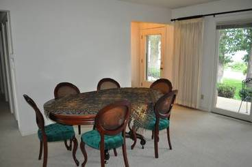 Dining Area of 2502 N Shore Dr