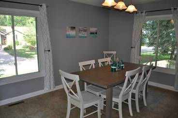Dining Area of 3301 W 2nd Ave N