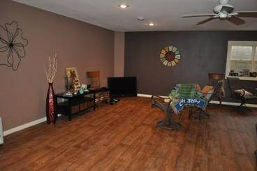 Family Room of 6 Wedgewood Ct