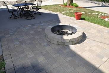Firepit of 14985 Hackberry St