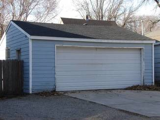 Garage of 1312 N Adams