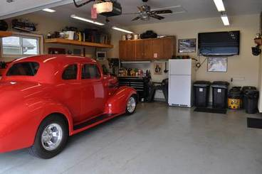 Garage of 500 Pine Brooke Dr