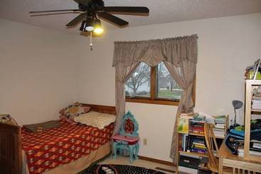 Bedroom 3 of 20 Granite Ct