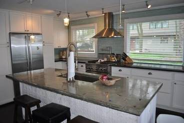 Kitchen of 5380 Lakeview Dr