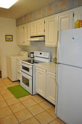Kitchen of 2502 N Shore Dr