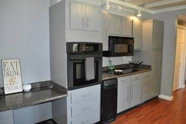 Kitchen of 3301 W 2nd Ave N
