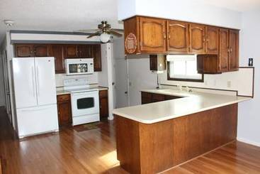 Kitchen of 1215 Maben Avenue